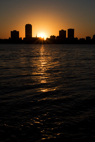 morning autumn west building fall water silhouette parish port sunrise canon river mississippi lens rouge photography eos dawn october louisiana downtown cityscape allen clayton wells east usm ef 1740mm baton shimmer 2010 f4l 40d img7484