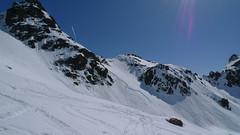 V téměř třech tisících byly vidět stopy malinkých lavinek, které vznikly vlivem tání sněhu, ale vyskytly se i laviny tenkých desek.