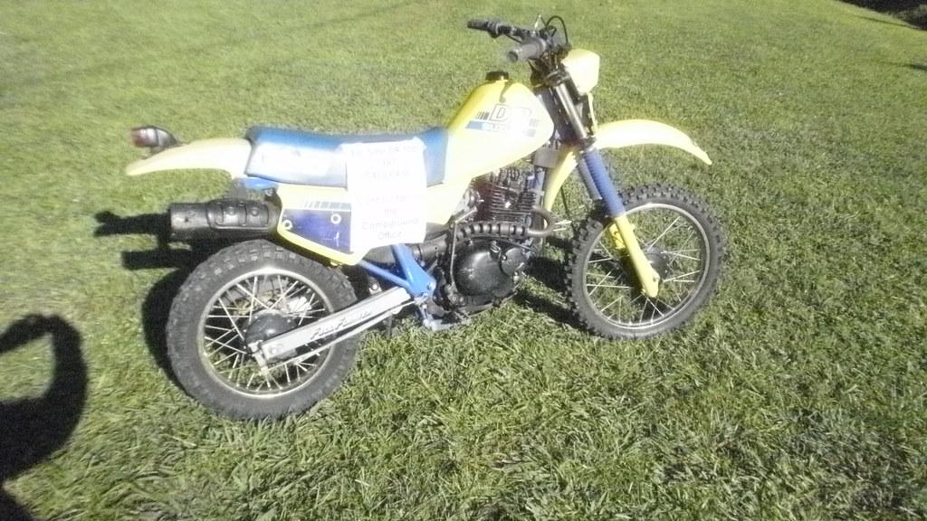 Suzuki Dirt Bike, 1988, DR 100 | I don't know much about dir