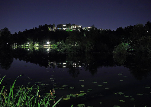 lake reflection nightshot sigma 1020 canoneos400d nwgi