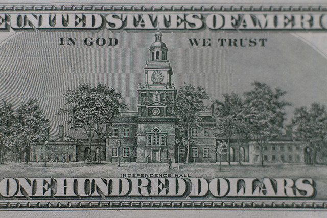 Independence hall on the back of a US 100 dollar bill (2013)