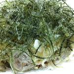夢の舎 海ぶどうそば 冷やし沖縄そばに海ぶどうをこれでもかと盛り付けた一品。ほぼ海ぶどう食ってるだけの気がしましたが、暑い日においしかった~!
