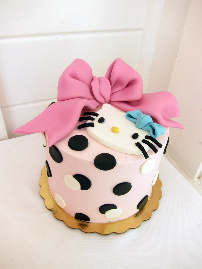 Brilliant Hello Kitty Birthday Cake Polkadots Olga Flickr Personalised Birthday Cards Paralily Jamesorg