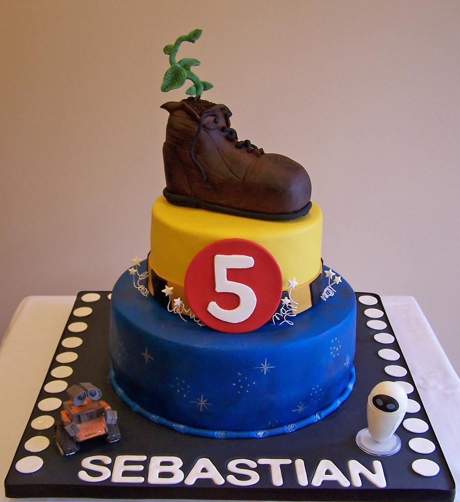 Wall E Themed Cake