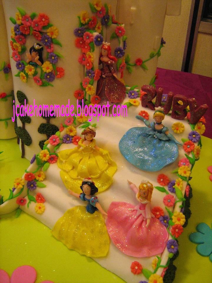 Superb Disney Princess Birthday Cake Happy 6Th Birthday Cake Prin Flickr Funny Birthday Cards Online Alyptdamsfinfo