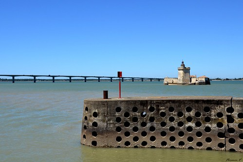 Fort Louvois Et Le Pont De L Ile D Oleron Flickr Photo