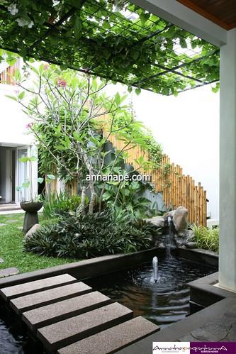 taman mungil, kolam ikan dan tangga assesories bambu   flickr