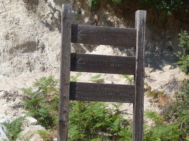Cartello per la cascata di Pietracupa