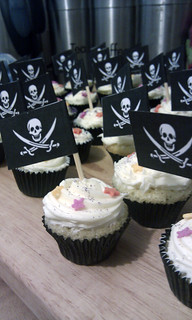 pirate cupcakes | by Lola's Big Adventure!
