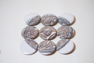 Viking brooch effect
