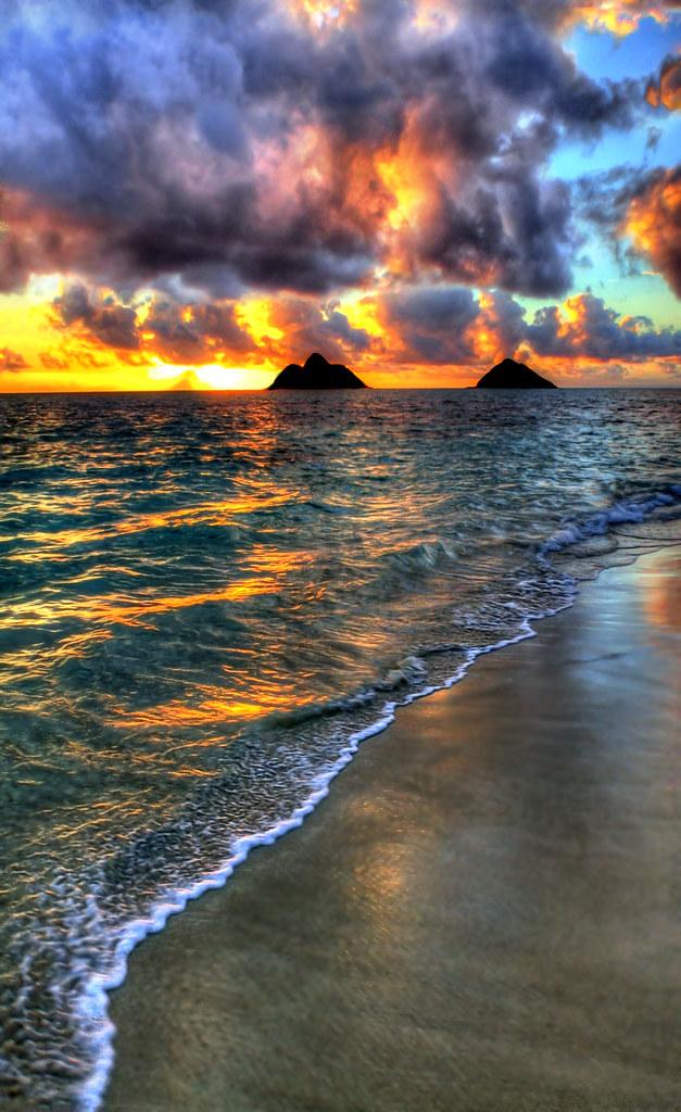 Lanikai Sunrise Welcoming The Day At Lanikai Beach