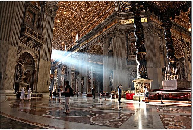 St. Peter's Basilica / Basílica de São Pedro - Cidade do Vaticano