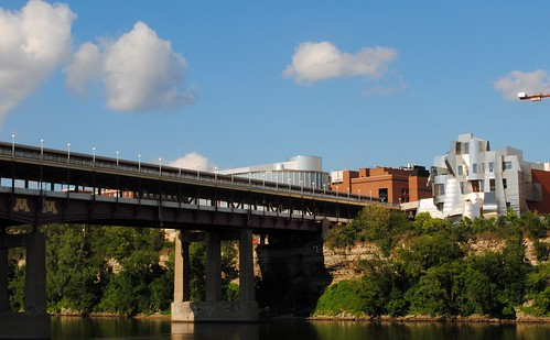 Washington Ave. Bridge and Weisman Museum Over the Mississippi