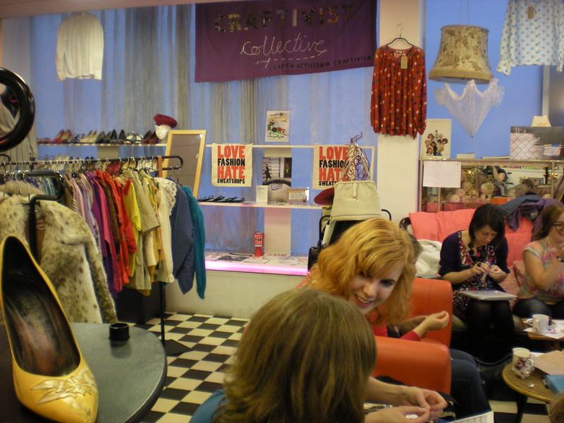 paper dress boutique sept meeting 2010 023