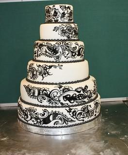 henna design wedding cake | by The House of Cakes Dubai