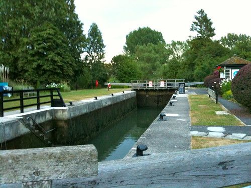 Buscot Lock | by Tip Tours