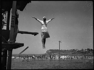 Swimming exams at Newcastle Ocean Baths, 11/12/1953, by Sam Hood
