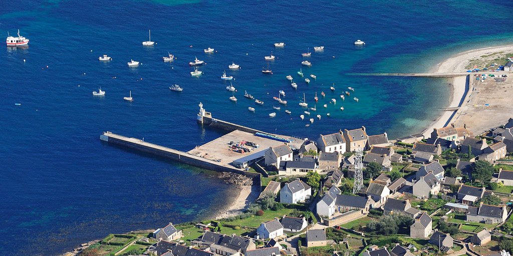 Le port de Molène - Île du Ponant