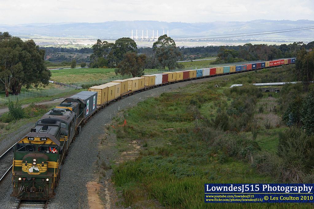 X49, A77 & X42 at Hearnes Oak by LowndesJ515