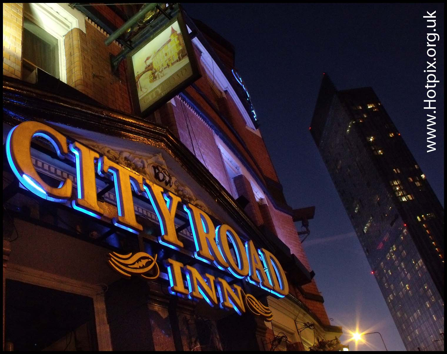 pub,manchester,city,centre,dusk,night,shot,tony,smith,tonysmith golden,hour,blue,bluehour,goldenhour pub,tonysmith,hotpix,hot,pics,picks,pix,tonysmithhotpix,#tonysmithotpix