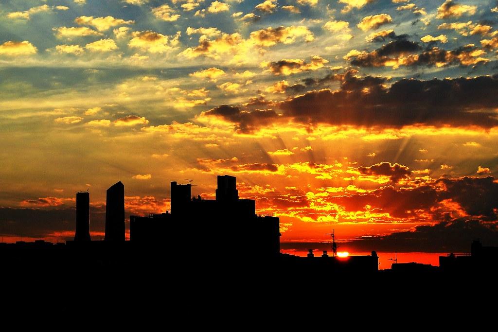 Monday Sunrise Blogging 100906 >> 100906 Viendo Amanecer Madrid En El Final Del Verano 31261 Flickr