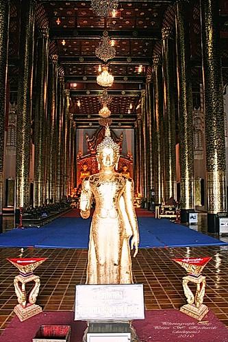 20100520_0549 Wat Chediluang Varaviharn,  วัดเจดีย์หลวงวรวิหาร   by ol'pete