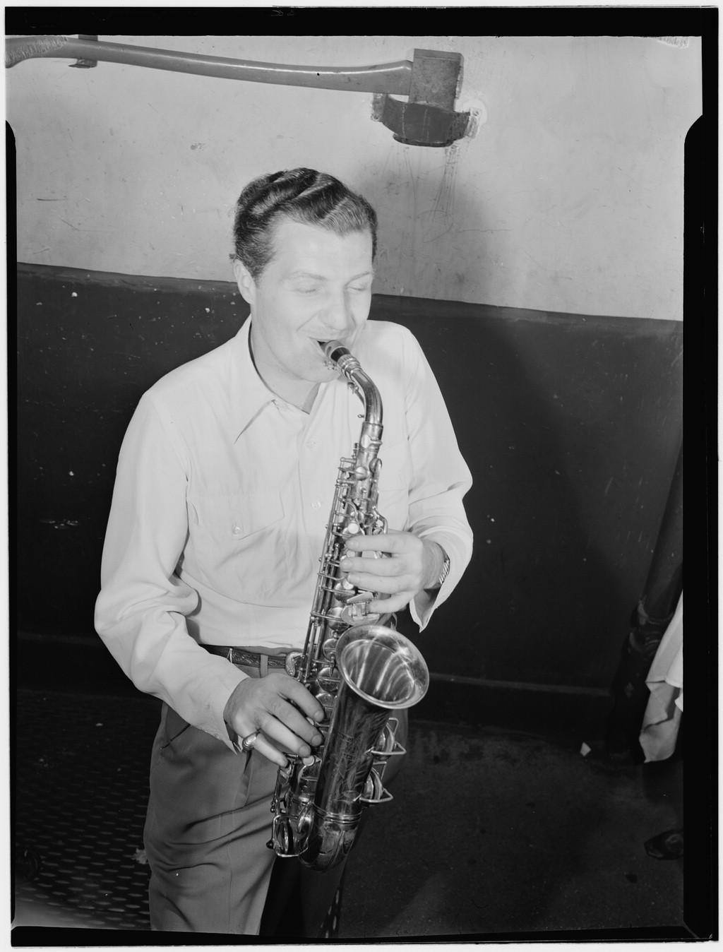 [Portrait of Charlie Barnet, New York, N.Y., ca. Aug. 1946] (LOC)