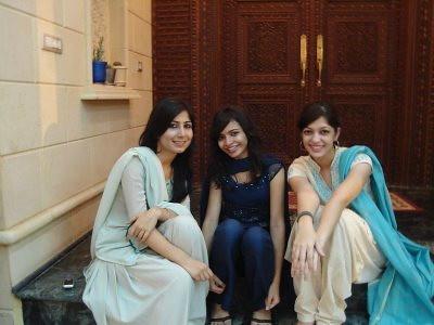 nice looking girls