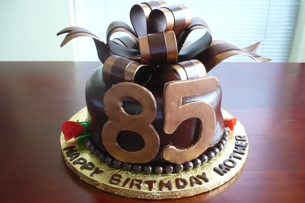 Mothers 85th Birthday Cake