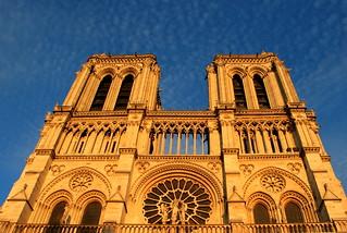 Notre dame (tourist shot 1) | by Art Rock (Hennie)