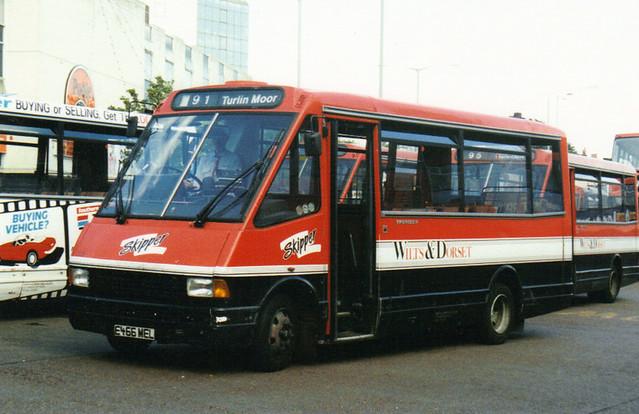 2315, E466 MEL, MCW Metrorider, 1988 (Wilts & Dorset) (t.1993)