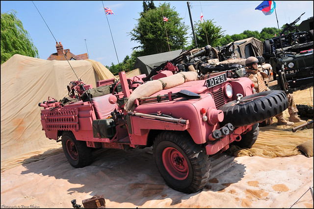 Wartime in the Vale 2010 - Land Rover Series 2 SAS 'Pink Panther'
