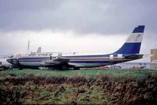 119aa - Aeronica Boeing 707-123B; YN-CCN@SNN;31.12.2000