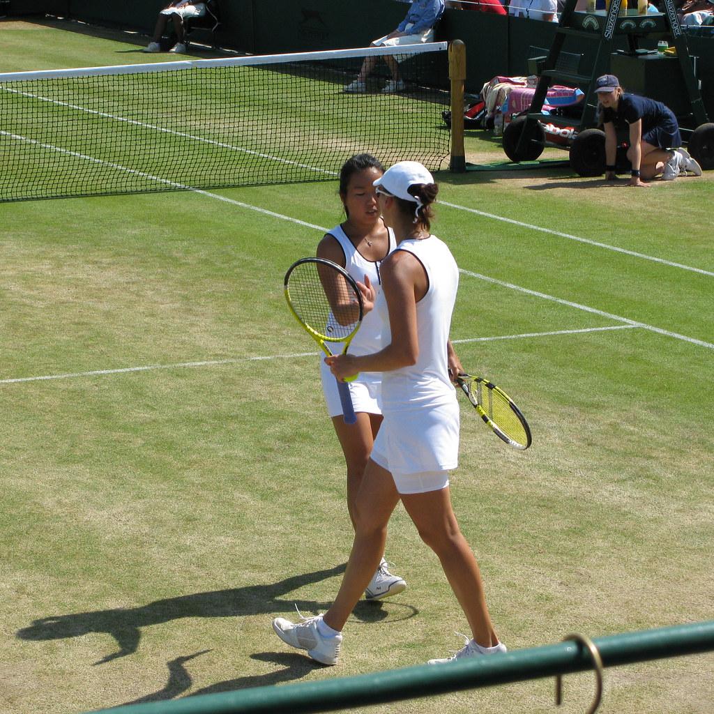 Female Tennis Players: Gabriela Sabatini and Martina