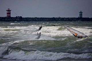 Kitesurfing Scheveningen | by The Wolf