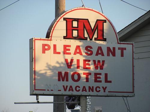 old sign hm vacancy pleasantviewmotel jeffersoncountymissouri jeffcoblvd