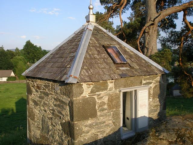Earthquake House, Comrie