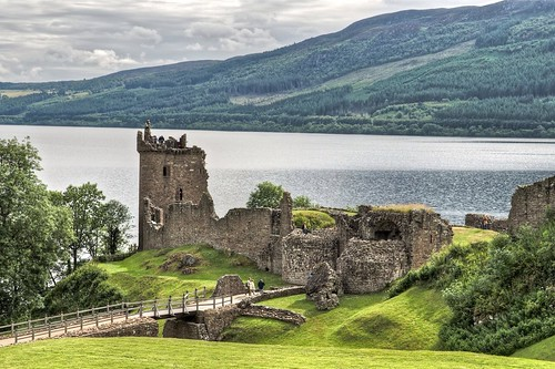 Urquhart Castle at Loch Ness | by Freimut