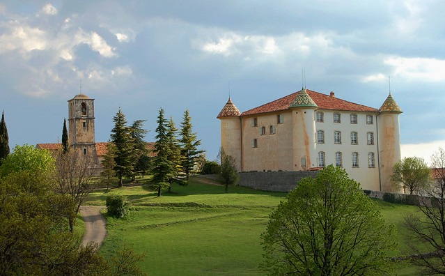 Chateau, église et parc - Aiguines (Var)