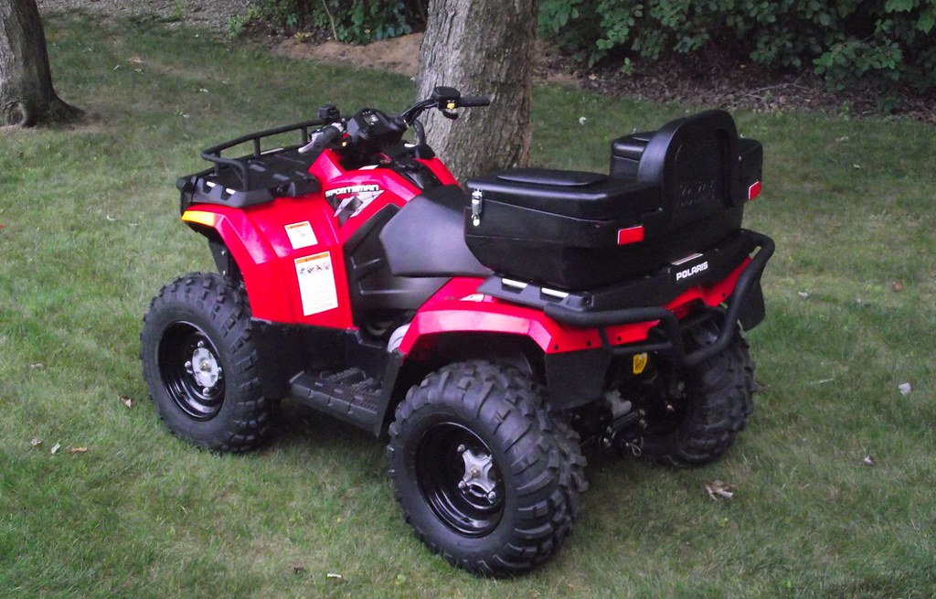2009 Polaris Sportsman 400 HO   Much like my old Jeep, I cou