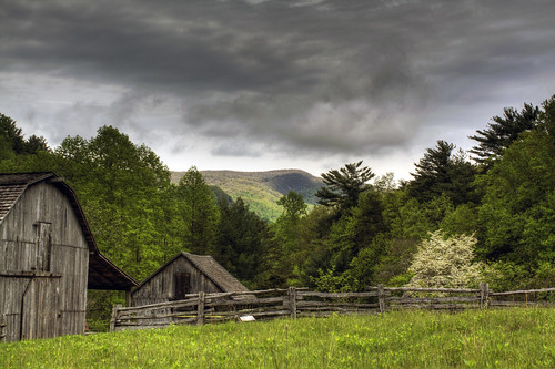 trees sky clouds fence landscape nc spring farm 1800s barns northcarolina archives dogwood hdr landscapephotography stonemountainstatepark davidhopkinsphotography