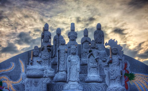 sunset sky orange yellow statue japan clouds photoshop canon aperture buddha buddhism 日本 bodhisattva hdr jizo aichiprefecture honshu 愛知県 菩薩 fav10 mikawa photomatixpro 岡崎市 eos450d 本州 davidlaspina rebelxsi kissx2 topazadjust 55250efsis okazakicity japandave japandavecom 三河国