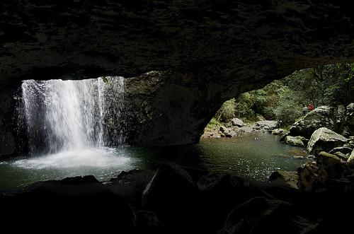 water waterfall australia cave geology
