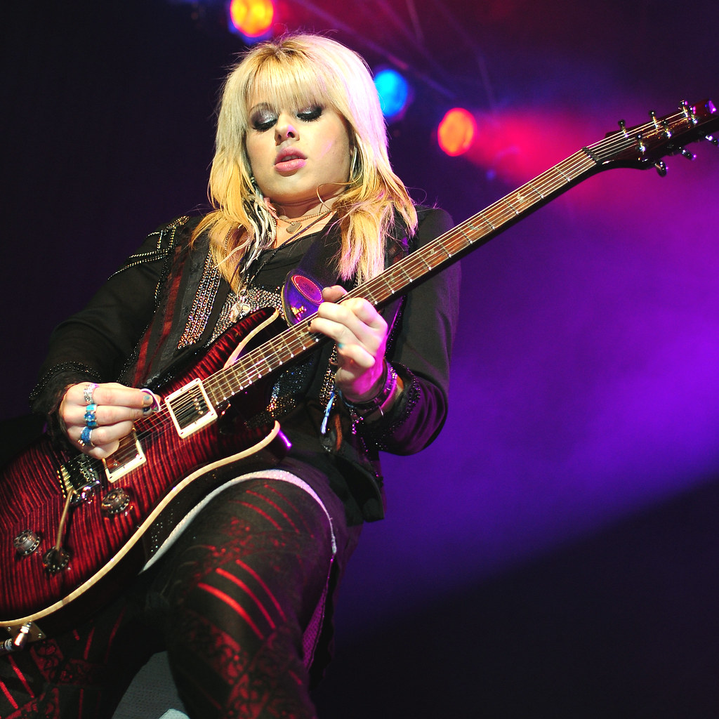 Orianthi boobs