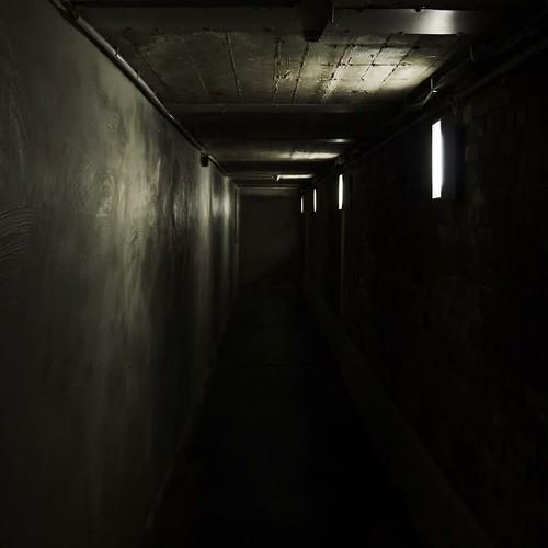 light shadow tunnel unna lightart ausgang lindenbrauerei rainer❏ lindenbrewery zentrumfürinternationalelichtkunst centreforinternationallightart