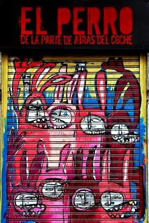 el perro de la parte de atrás del coche. nikitarodriguez calle de la Puebla 29308