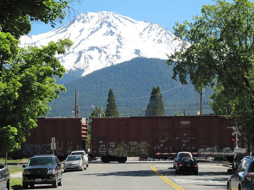 train crossing.. Mt. Shasta City..