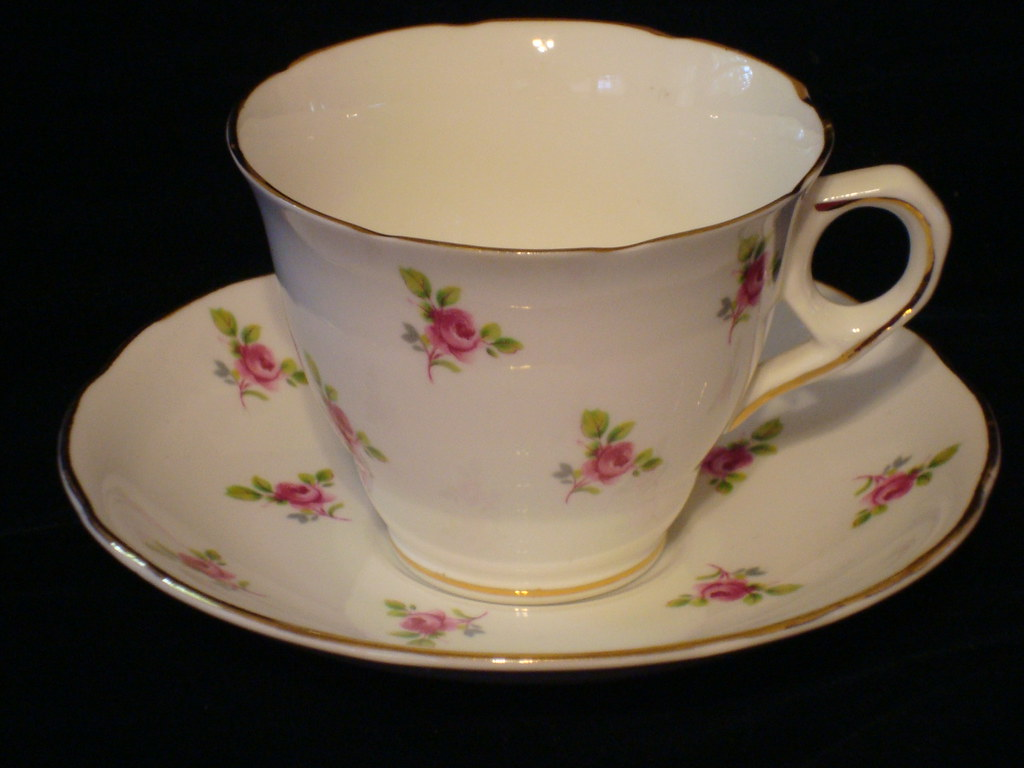 antique tea cup with roses