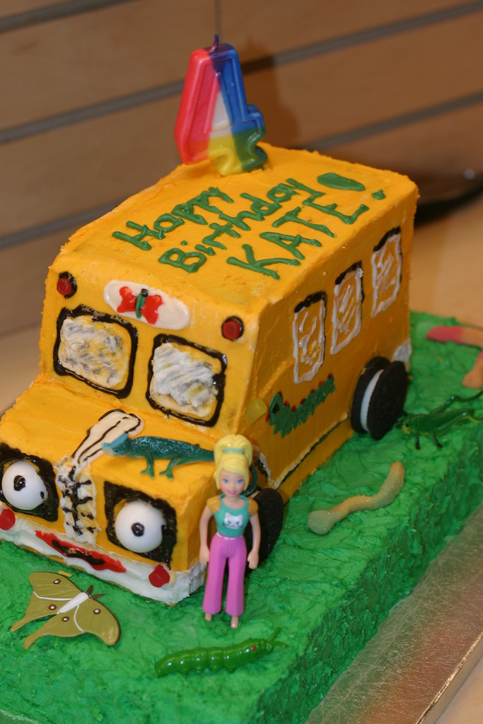 Superb Kates 4Th Magic School Bus Birthday Cake Lass113 Flickr Personalised Birthday Cards Cominlily Jamesorg