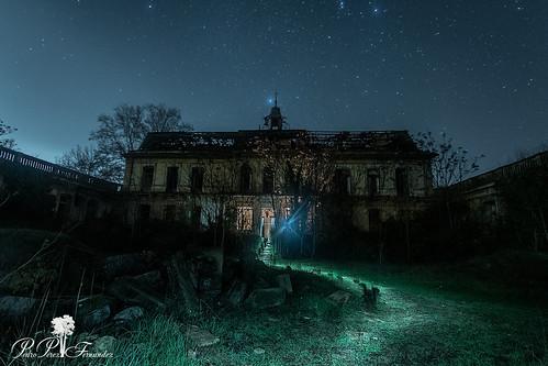fotografiandolanoche lightpainting night palacetedelosgosálvez road to perdition landscape